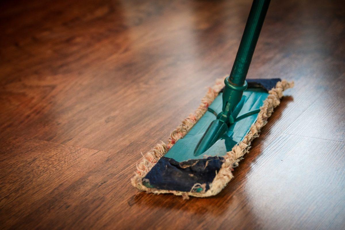 huis-schoon-houden-schoonmaker